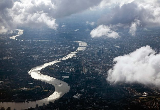 The Thames from Above. Getty Images Ltd. From 100 Places to Go Before They Disappear. New York: Abrams, 2011. Buisnessinsider.com. Web. http://www.businessinsider.com/places-to-visit-before-they-disappear-2011-6?op=1#ixzz2KL68syoh